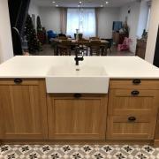 Fabrication et pose d une cuisine en chene massif